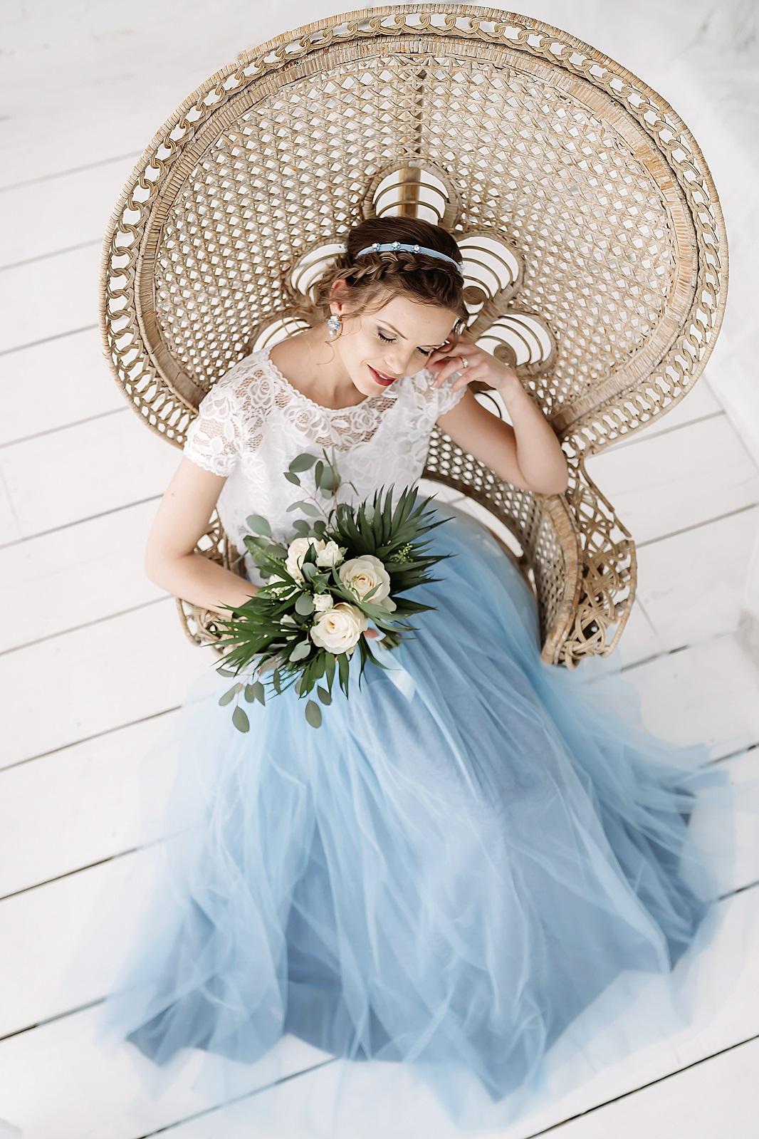 melyna vestuvine suknele